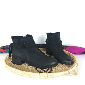 NWOB Aldo Black Leather Ankle Boots